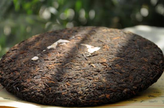 13年普洱茶饼价格表,价格700~2400元一饼