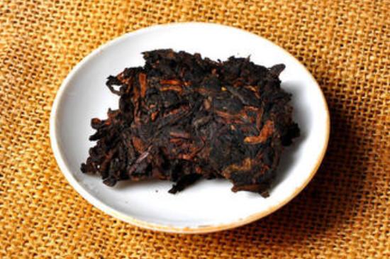 藏20年的熟普洱茶的价格,1000~6000元一饼