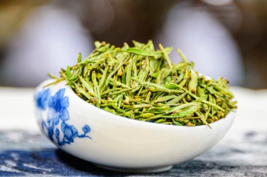 绿茶价格多少钱一斤,绿茶市场价几十到上千元